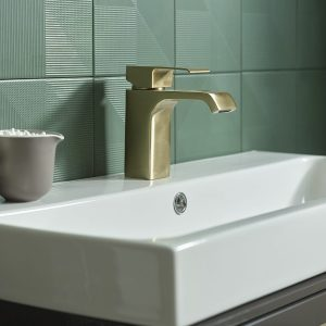 Hydra brass tap lifestyle T151104 scaled